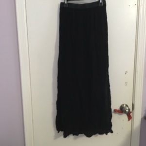 Maxi skirt with high slits